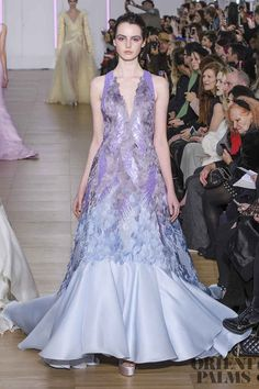 Georges Chakra at Couture Spring 2018 - Runway Photos Georges Chakra, Fashion Week Berlin, Helen Mirren, Fashion 2017, Runway Fashion, Fashion Outfits, Style Couture, Couture Fashion, Daisy Dress