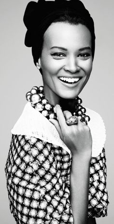 Liya Kebede by Driu & Tiago for Amica April 2013 Beautiful Models, Black Is Beautiful, Beautiful People, Liya Kebede, Dull Hair, Great Hair, Black Women Hairstyles, Black And White Photography, Beauty Women