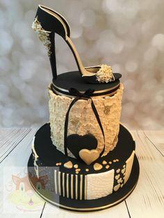 Black cream and beige shoe cake - cake by Elaine - Ginger Cat Cakery