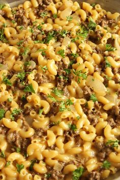 """This easy, one-pot dinner is a copy of the popular Hamburger Helper version. Cheeseburger Macaroni Skillet uses """"from scratch"""" ingredients to recreate this classic comfort dish in minutes. Flavorful and kid-approved, this is clean eating at it's finest. Meat Recipes, Pasta Recipes, Dinner Recipes, Cooking Recipes, Dinner Ideas, Weekly Recipes, Weekly Menu, Burger Recipes, Cheese Burger Macaroni"""