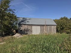 An antique barn in Autumn. One of many in Randolph County. Photo courtesy of Christopher Martin. Randolph County, IL. #randolphcountyil