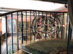musée Gustave Moreau : les grands ateliers du 2ème étage vu de l'escalier
