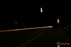 Auto Lichter können auch super malen. Und Ampeln zeigen bei längerer Belichtung alle Farben. Mehr...