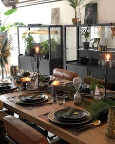 Image may contain: people sitting, table and indoor Living Room Modern, Interior Design Kitchen, Interior Design Living Room, Dining Room Inspiration, Home Decor Inspiration, Deco Table Noel, Decoration Christmas, Style At Home, Home Fashion