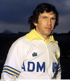 Johnny Giles transfer from Man. Utd. to Leeds Utd. was a major part of the Leeds Utd success under Manager Don Revie.