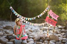Oh to have a little girl - that bunting and pillow case dress are too cute. Ashley Ann Photography (my new favorite blog crush) has the directions for making the bunting.
