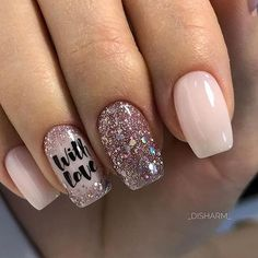 False nails have the advantage of offering a manicure worthy of the most advanced backstage and to hold longer than a simple nail polish. The problem is how to remove them without damaging your nails. Gorgeous Nails, Love Nails, Fun Nails, Style Nails, Perfect Nails, Glitter Nail Art, Nagel Gel, Holiday Nails, Christmas Nails