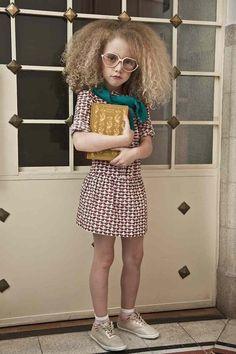 BBMUNDO Magazine Photo: Ana Lorenzana // it's kinda freaky how much this little girl looks like me.