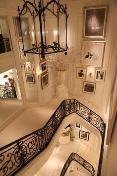 Black-and-white glamour: architectural details inside of the women?s Ralph Lauren flagship store in NYC