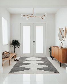 Dream Home Design, House Design, Modern Entryway, Entryway Rug, Foyer, Decoration Inspiration, Decor Ideas, Interior Exterior, Room Interior