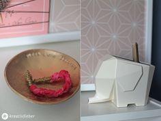 Anleitung für eine einfache DIY Whiteboard Alternative - dekorativ, schnell gemacht und günstig. Dazu gibt's ein Regal Upcycling mit Ikea Brakig Tapete.