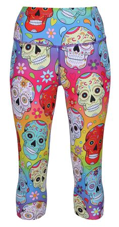 Stand Out In Tikiboo's Day Of The Dead Style Sugar Skulls With Hearts And Flowers On A Pretty Rainbow Gradient Base. Featuring A Sugar Rush Of Colour, These Fun And Funky Three Quarter Length Pants Will Brighten Any Tough Training Sesh. Sugar Skull Makeup, Sugar Skull Art, Sugar Skulls, Halloween Skull, Vintage Halloween, Halloween Costumes, Candy Skulls, Mexican Skulls, Vintage Witch