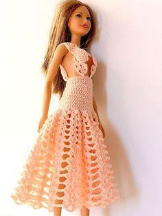 Crochet Doll Dress, Crochet Barbie Clothes, Crochet Fabric, Free Crochet, Barbie Gowns, Barbie Dress, Crochet Costumes, Crochet Square Patterns, Doll Costume