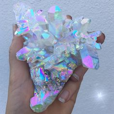 Moonbeam Aura Faden Quartz cluster ✨ The last one available for adoption on my website, click the link in my bio to be redirected Xoxo, I hope you're all having a lovely night!