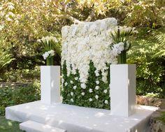 Large flower arrangement - wedding ceremony - The Hotel Bel Air - Floral Art