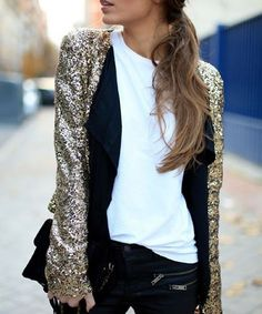 Casual New Year's Eve? Just add a sequined blazer! (link in bio to shop)