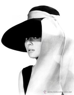 """Foto de Audrey Hepburn en """"Desayuno con diamantes"""" / todocoleccion"""