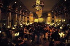 "pluiesurlesfleursbleues: ""Truman Capote's Black and White Ball, Plaza Hotel, New York 1966, Elliott Erwitt """
