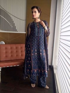 Best Trendy Outfits Part 31 Casual Indian Fashion, Ethnic Fashion, Asian Fashion, Indian Attire, Indian Wear, Indian Outfits, Indian Designer Outfits, Designer Dresses, Kurti Designs Party Wear
