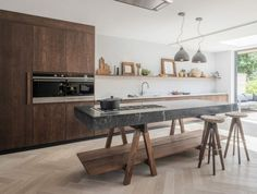 The best kitchen design ideas for your home in This expert trends round up reveals the latest modern kitchen ideas and contemporary kitchen trends from storage to two-tone kitchens. Home Decor Kitchen, Kitchen Furniture, New Kitchen, Kitchen Ideas, Kitchen Cost, Studio Kitchen, Furniture Stores, Cheap Furniture, Discount Furniture