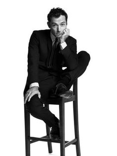 All I want for Christmas is Jude Law. Jude Law, Gorgeous Men, Beautiful People, Hey Jude, Poses For Men, British Boys, Male Photography, Famous Men, Man Photo