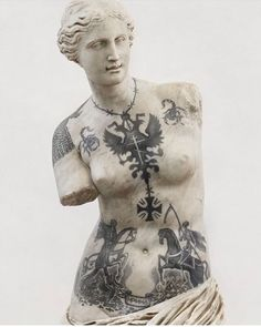 The combination of marble art, classicism, and tattoos is a choice repeated several times in the works of the modern artist, Fabio Viale Russian Prison Tattoos, Russian Criminal Tattoo, Russian Tattoo, Saints Row, Marble Art, Contemporary Sculpture, Italian Artist, Modern Artists, Tattoo Studio