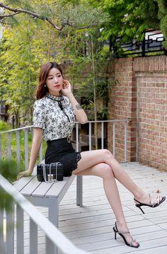 Korean Women`s Fashion Shopping Mall, Styleonme. Cute Asian Girls, Asian Ladies, Lace Mini Skirts, Beautiful Young Lady, Cute Japanese Girl, Tie Blouse, Korean Women, Asian Woman, Floral Lace
