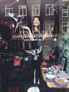 New window drawing at Anna+Nina Shop Window Displays, Store Displays, Menue Design, Window Signage, Boutiques, Window Art, Window Stickers, Display Design, Window Design