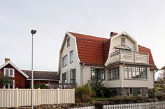 Spjällevägen 7 - Donsö – Alvhem Swedish House, Home Fashion, Rum, Villa, Exterior, Mansions, Bedroom, House Styles, Home Decor