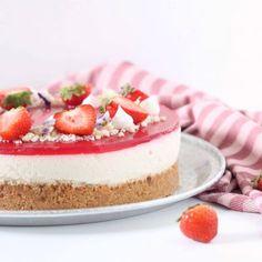 Aperol cheesecake - kagen til din næste fest Baileys Cheesecake, Chocolate Drip Cake, Drip Cakes, Cheesecakes, Vanilla Cake, Deserts, Baking, Mango, Food