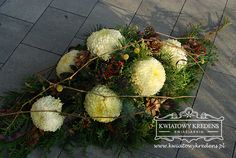 Black Flowers, Ikebana, Funeral, Floral Arrangements, Christmas Holidays, Floral Wreath, Diy Crafts, Wreaths, Art