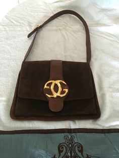 Rare Vintage Gucci Rich Chocolate brown suede Blondie flap shoulder back in  pristine condition. Tina Francisco · Rare Vintage Gucci Handbags 38f408f3c1874