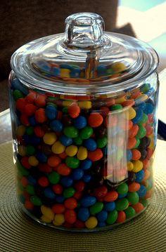 lolly jar on kitchen bench