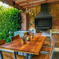 An outdoor kitchen can be an addition to your home and backyard that can completely change your style of living and entertaining. Small Patio Design, Terrace Design, Roof Design, Outdoor Kitchen Patio, Outdoor Kitchen Design, Outdoor Decor, Parrilla Exterior, Bbq Shed, Brick Bbq