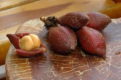 Weird Ingredient Wednesday: Salak (A Fruit Slytherins Would Love) « Food Hacks