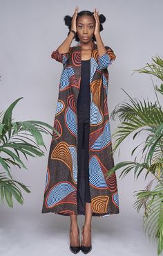 Stylish Kimono Ankara Styles 2018 For the weekend, the kimono that has become a wardrobe staple in different fabrics is a must have piece and in different styles that can be thrown on… African Print Clothing, African Print Dresses, African Fashion Dresses, African Dress, Ankara Fashion, African Prints, African Inspired Fashion, African Print Fashion, Africa Fashion