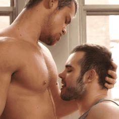 Nipple pigs - A blog focused on gay nippleplay