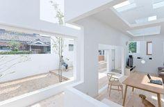 Sou-Fujimoto-Architects-House-