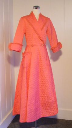 19401950 Vintage Quilted Fuchsia Pink Robe by vintagebluemoon, $150.00