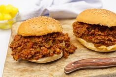 Quick and Easy sloppy joe recipe ellie from top chefs Sloppy Joe Recipe With Chili Sauce, Homemade Sloppy Joe Recipe, Homemade Sloppy Joes, Paleo Sloppy Joes, Sloppy Joes Recipe, Ground Turkey Sloppy Joes, Grilled Cheese Sloppy Joe, Sloppy Joe Casserole, Pasta