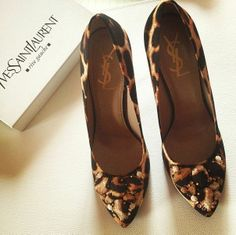 YSL Yves Saint Laurent Embellished Silk Leopard Print Pumps SZ 39 = US 8.5 - 9