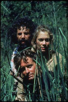 Michael Douglas, Kathleen Turner and Alfonso Arau in Romancing the Stone (1984)
