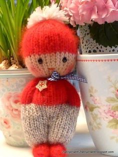 Baby Knitting Patterns Toys Dwarven World: knit dolls the second and a new book Knitted Doll Patterns, Loom Knitting Patterns, Knitted Dolls, Crochet Dolls, Knitting Projects, Crochet Baby, Crochet Patterns, Knitting For Charity, Free Knitting