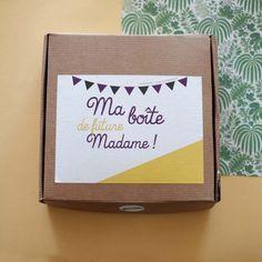 Voici un assortiment de box enterrement de vie de jeune fille pour future mariée à l'âme tropicale pour un moment inoubliable entre amies ! Team Bride, Mom And Dad, Boho Wedding, Sephora, Bridal Shower, Voici, Moment, Frame, Daisy
