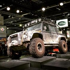 "luxify-magazine: ""Land Rover Defender from the latest James Bond 007 Movie ""SPECTRE"" (hier: IAA - Internationale Automobil-Ausstellung) """