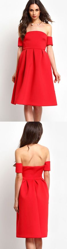 Slip into this short sleeve off the shoulder maxi dress in red that gives you glamour and a hint of sexiness,Track this piece will more amazing in any formal occation with a pair of strappy heels.