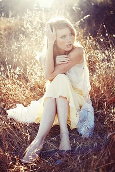 Barefoot. White dress. Grassy fields. Summer. Vintage.  ♥ ♥ ♥