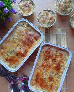 7 Cara membuat macaroni schotel Instagram/@mari.kita.masak @ninaanggita Beef Macaroni, Macaroni Recipes, Pasta Recipes, Chicken Recipes, Baby Food Recipes, Snack Recipes, Cooking Recipes, Macaroni Schotel Recipe, Curry