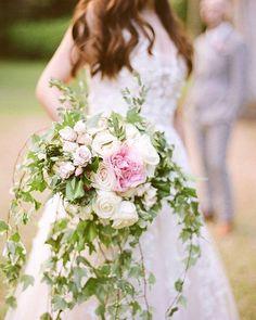 Whether you want avant-garde or retro-rad, Nancy Liu Chin Designs can stylishly design your Tahoe wedding.  . . . . .   #2018bouquets #weddingflowerpredictions #alternativebridalbouquets #prettiestbridalbouquets #2018weddingbouquettrends #tahoeengaged #tahoeweddingbouquets #weddingflowers #kevinchinphotography #nancyliuchindesigns #northlakeweddingplanners #weddingideas #weddingtips #gettingmarried  Photo Credit: Kevin Chin Photography + Cinema @kevinchinphotog @nancyliuchin