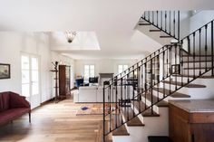Pavimento in doppio smoked #DomenicoMori Floor double smoked wood #MoriDomenico  IB Studio - Isabella Invernizzi Beatrice Bonzanigo Architetti ph. Luca Miserocchi  #living #floor #wood #artisian #handmade #madeinItaly